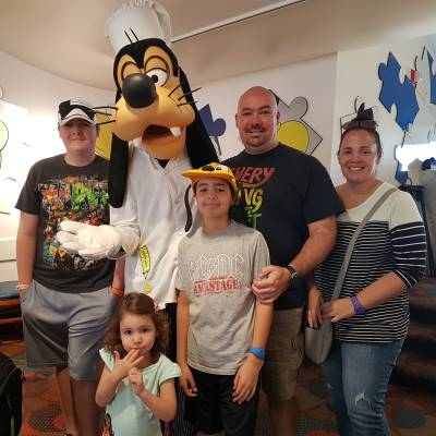 Goofy is so much fun to meet