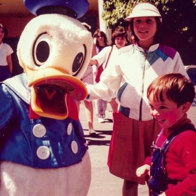 Meeting Donald Duck for the first time