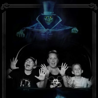 I'm a Haunted Mansion addict and love this ride photo